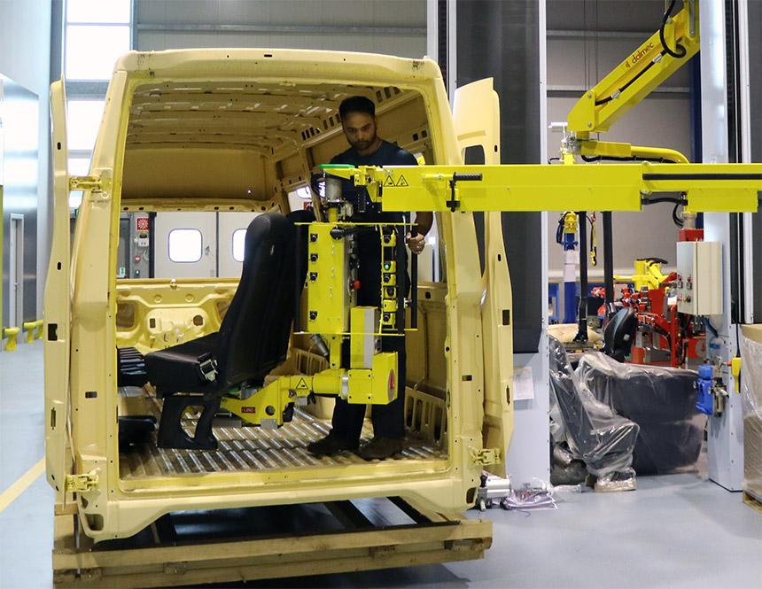 tay máy Dalmec gắn ghế ô tô